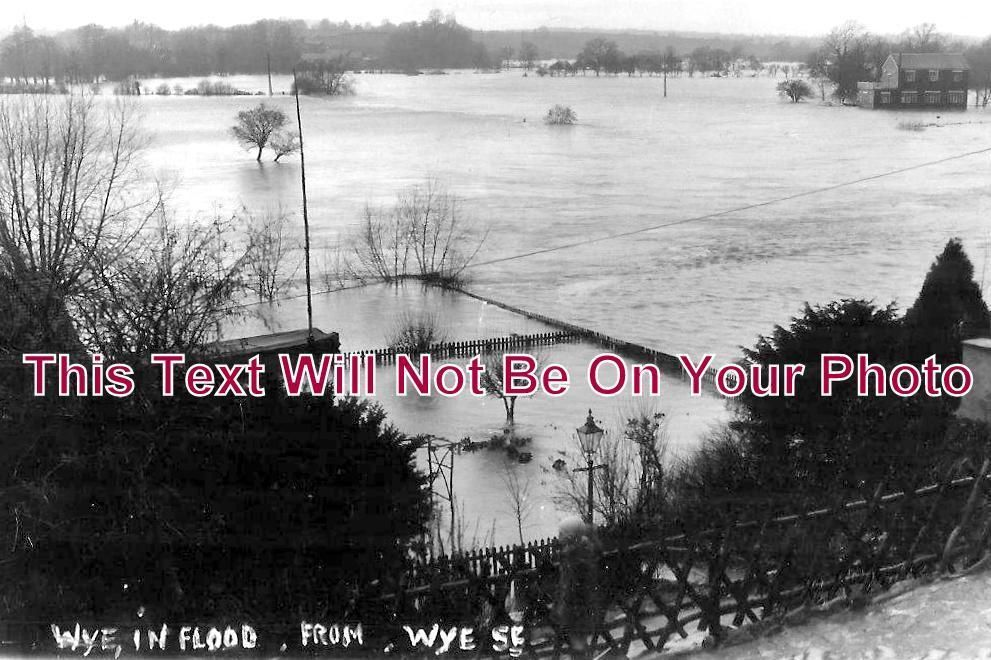 HR 164 - Wye In Flood From Wye Street, Ross On Wye, Herefordshire - 6x4 Photo
