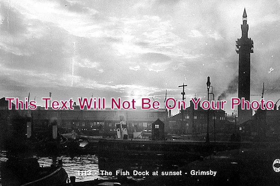LI 103 - The Fish Dock At Sunset, Grimsby, Lincolnshire c1928 - 6x4 Photo