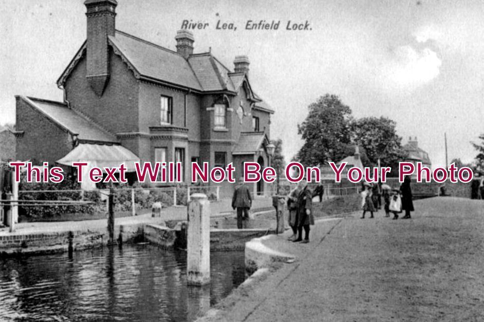 MI 124 - River Lea, Enfield Lock, Middlesex c1910 - 6x4 Photo
